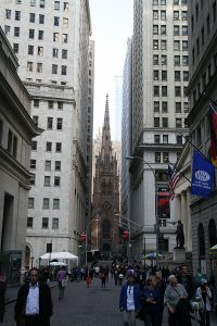 600px-wall_street_and_trinity_church_2014